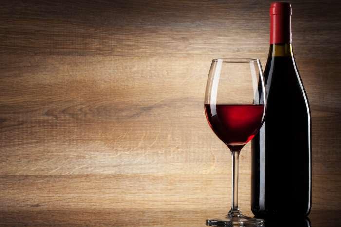 garrafas-de-vinho-bordalesa