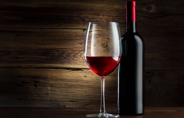 garrafas-de-vinho-borgonhesa
