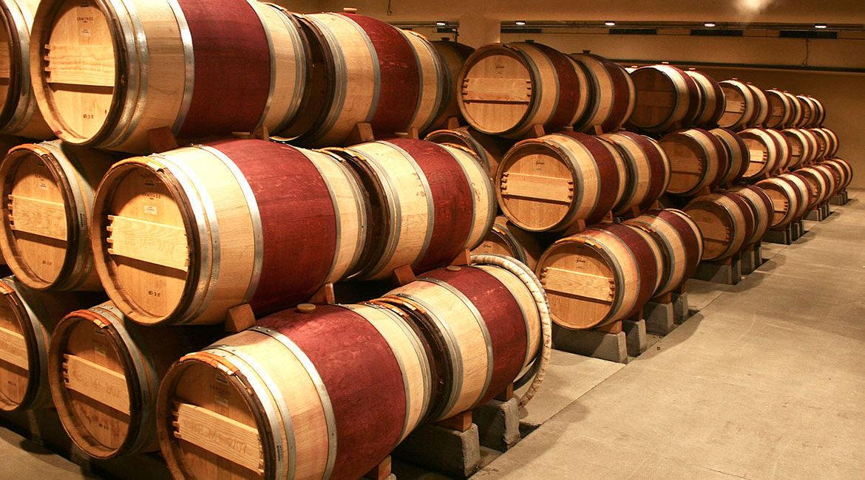 O que acontece quando o vinho passa por carvalho?