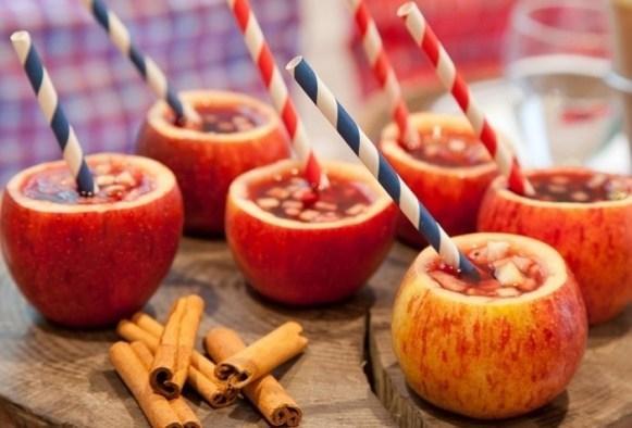 Vinho quente dentro da maçã