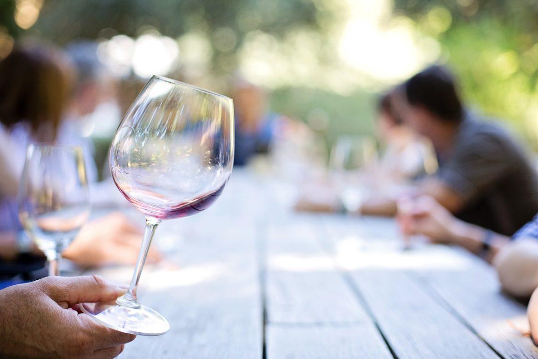 Como reconhecer um vinho estragado?