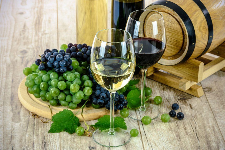 Vinho tinto ou vinho branco: qual o menos calórico?