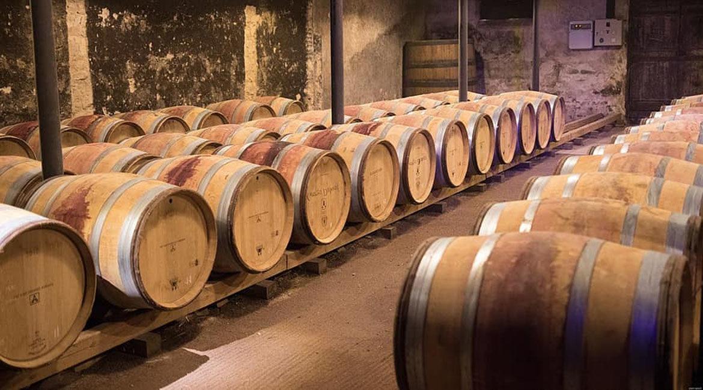 Por que um vinho ganha em aroma, sabor e estrutura quando passa por barril?