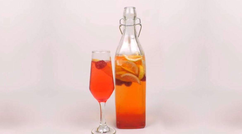 Drink Red Lemon leva vinho frisante e vodka, conheça