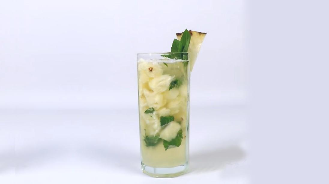 Mojito mágico de abacaxi: aprenda a receita