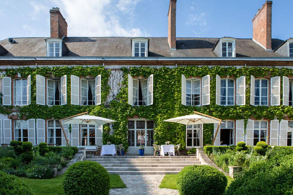 Perrier-Jouët inaugura Belle Epoque Society na França